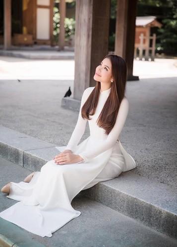 Hot Face sao Viet 24h: Vo Hoang Anh khoe bung bau vuot mat-Hinh-10