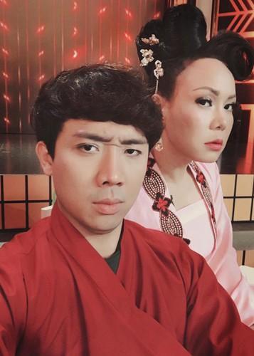 Hot Face sao Viet 24h: Vo Hoang Anh khoe bung bau vuot mat-Hinh-12
