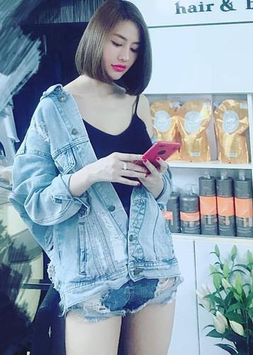 Hot Face sao Viet 24h: Vo Hoang Anh khoe bung bau vuot mat-Hinh-14