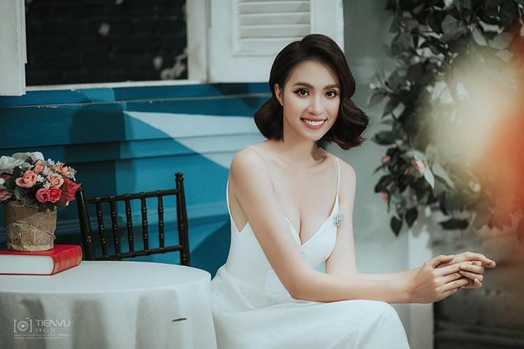Hoc tro Lan Khue thi Hoa hau Hoan vu Viet Nam 2017-Hinh-2