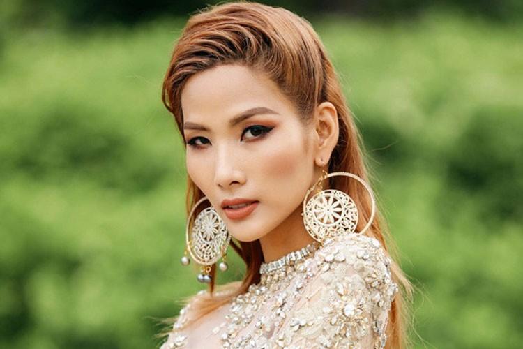 """Hoang Thuy """"lot xac"""" tu Next Top den Hoa hau Hoan vu Viet Nam-Hinh-10"""