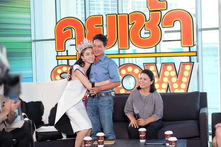 """Cha hoa hau Thai Lan """"dep nhu tien"""": """"Dau don vi con chuyen gioi""""-Hinh-6"""