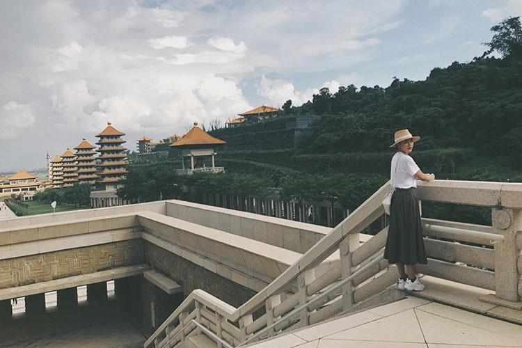 Hot Face sao Viet 24h: MC Phan Anh hanh phuc ben vo con-Hinh-11