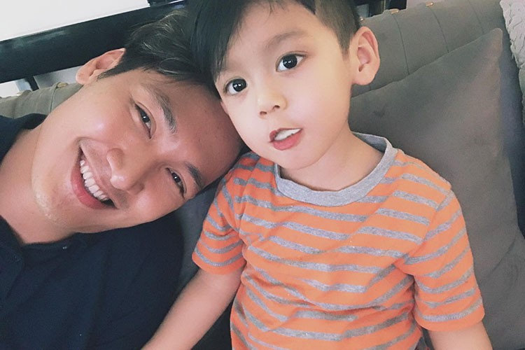 Hot Face sao Viet 24h: MC Phan Anh hanh phuc ben vo con-Hinh-9
