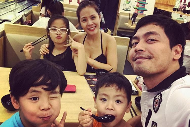 Hot Face sao Viet 24h: MC Phan Anh hanh phuc ben vo con