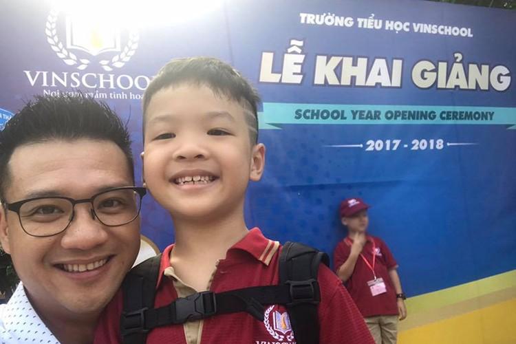 Sao Viet no nuc dua con di khai giang nam hoc moi-Hinh-3