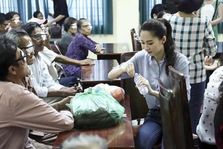 Day la ly do chang trai nao cung muon cuoi HH Thu Thao-Hinh-15