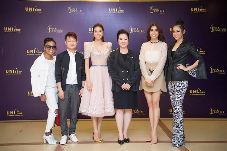MC Phan Anh lam giam khao Hoa hau Hoan vu Viet Nam 2017-Hinh-11