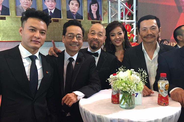 "Hot Face sao Viet 24h: Ly do Hong Nhung ""gian"" Mr Dam-Hinh-2"