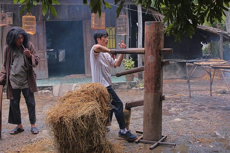 Hau truong phim hai dam chat Chau Tinh Tri cua Dustin Nguyen-Hinh-2