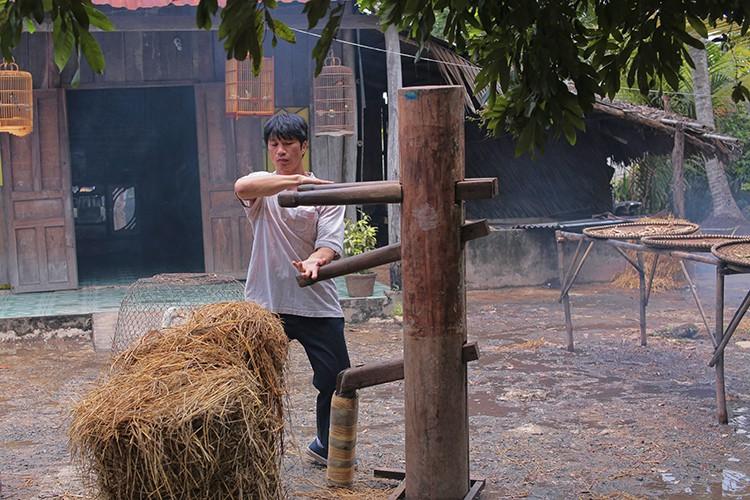 Hau truong phim hai dam chat Chau Tinh Tri cua Dustin Nguyen-Hinh-3