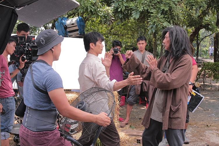 Hau truong phim hai dam chat Chau Tinh Tri cua Dustin Nguyen