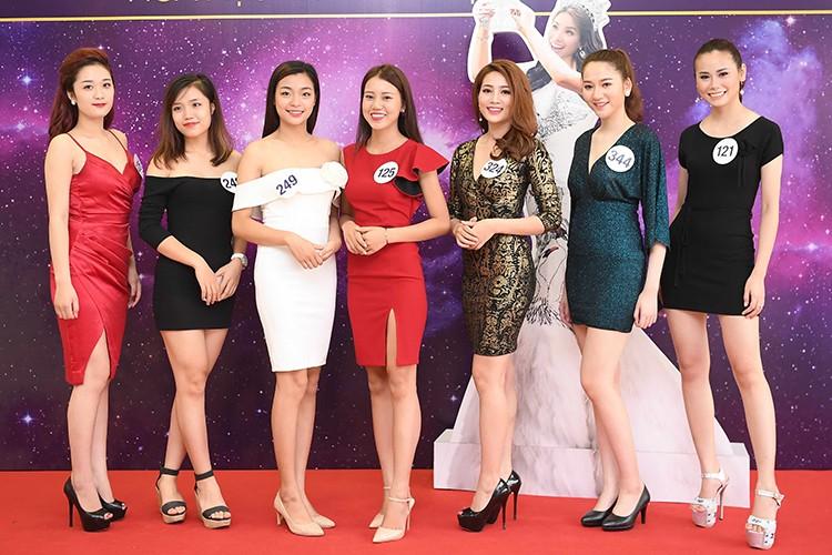 Thi sinh Hoa hau Hoan vu Viet Nam dep nuot na trong so khao-Hinh-9