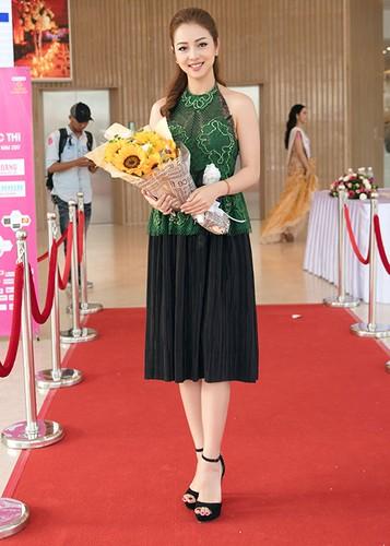 Jennifer Pham dep nao long ben Dam Vinh Hung-Hinh-10