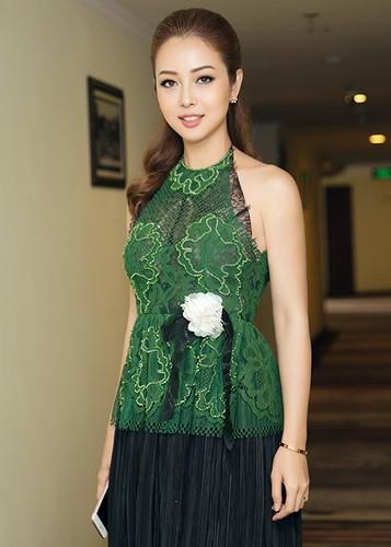 Jennifer Pham dep nao long ben Dam Vinh Hung-Hinh-11