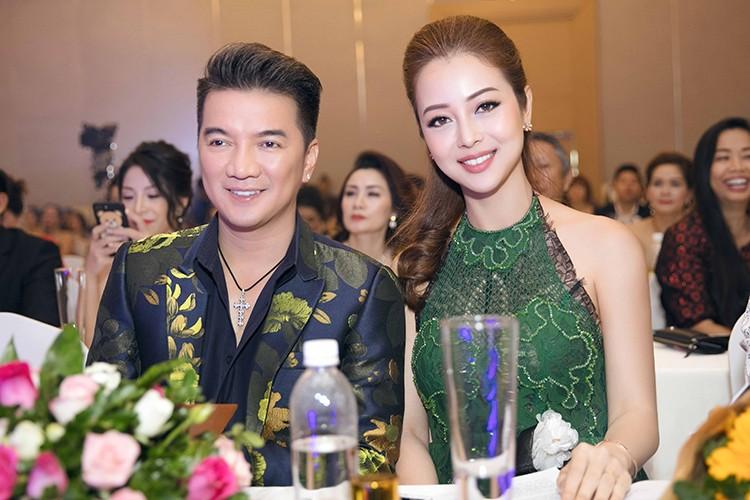 Jennifer Pham dep nao long ben Dam Vinh Hung-Hinh-3