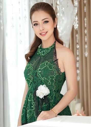 Jennifer Pham dep nao long ben Dam Vinh Hung-Hinh-6