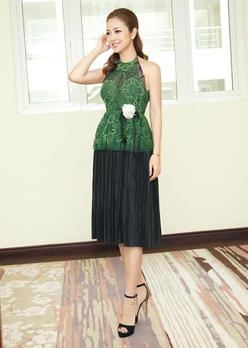 Jennifer Pham dep nao long ben Dam Vinh Hung