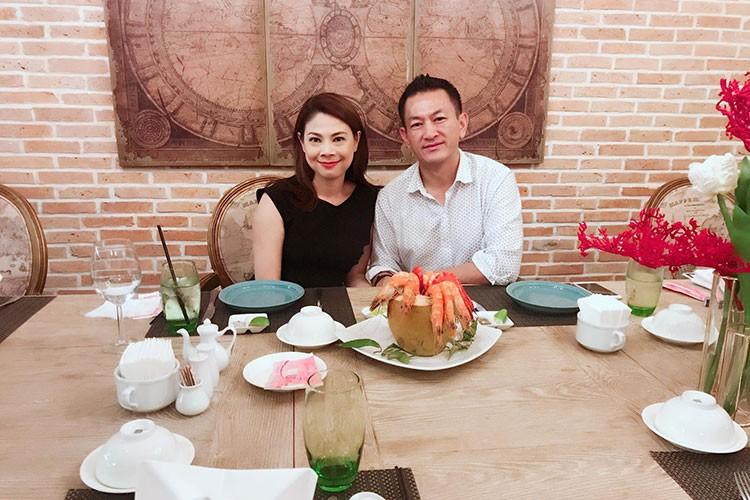Hot Face sao Viet 24h: Bat ngo qua sinh nhat Hoai Linh tang me-Hinh-5