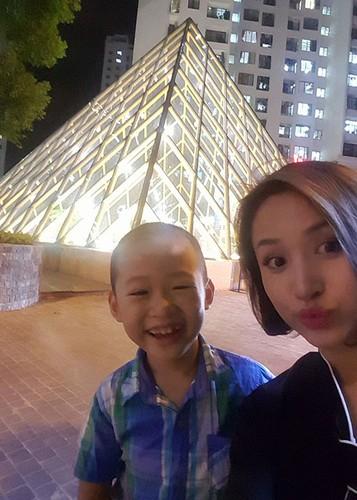 Hot Face sao Viet 24h: Bat ngo qua sinh nhat Hoai Linh tang me-Hinh-6
