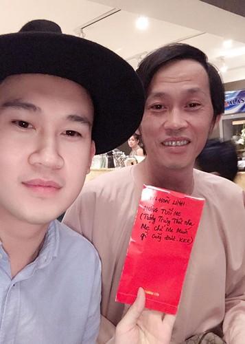 Hot Face sao Viet 24h: Bat ngo qua sinh nhat Hoai Linh tang me