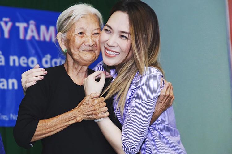Hot Face sao Viet 24h: Truong Giang di quay phim mac on ao-Hinh-9