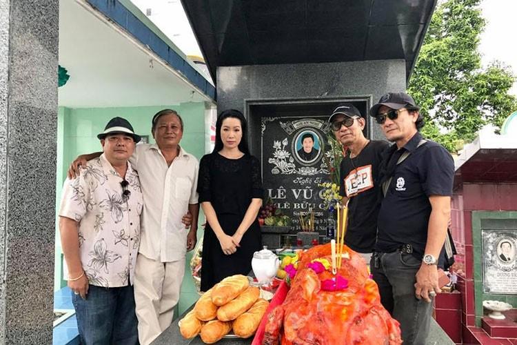 Hot Face sao Viet 24h: Angela Phuong Trinh bi nem da vi dieu nay-Hinh-6