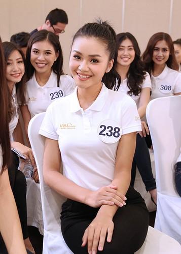 Mau Thuy lot ban ket Hoa hau Hoan vu Viet Nam 2017-Hinh-13