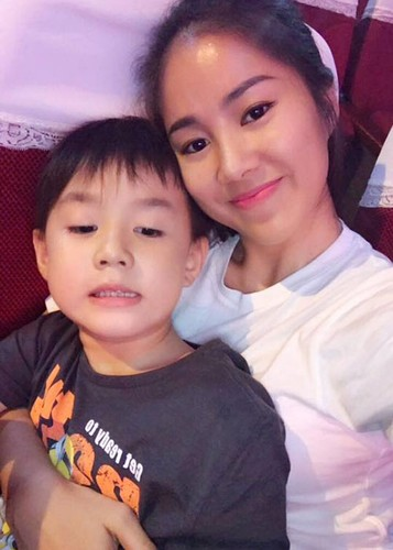 Hot Face sao Viet 24h: Ngoc Trinh chi 2 ty mua sam mung sinh nhat-Hinh-13
