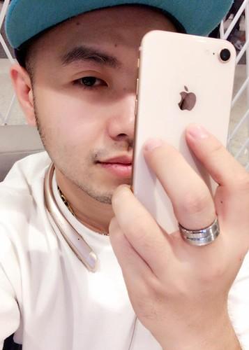 Hot Face sao Viet 24h:  Dao Ba Loc dang status an y giua on ao-Hinh-11