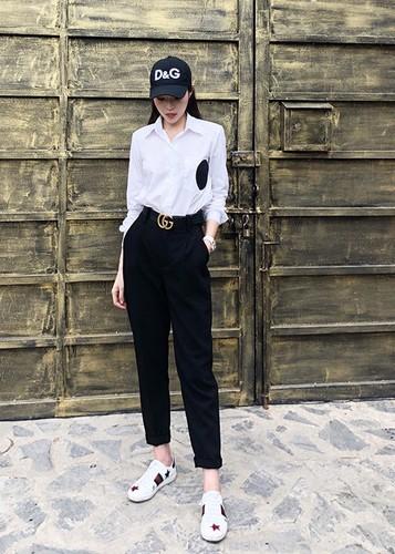 Hot Face sao Viet 24h: Mau Thuy len tieng khi duoc Pham Huong chinh vay-Hinh-14