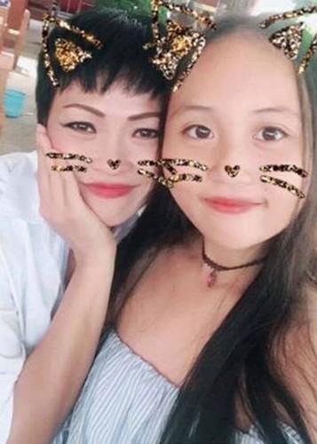 Hot Face sao Viet 24h: Mau Thuy len tieng khi duoc Pham Huong chinh vay-Hinh-2