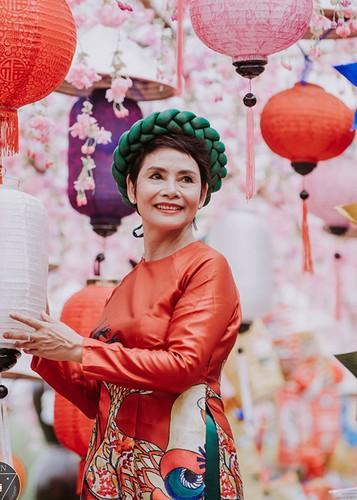 NSND Minh Chau khoe dan chau ngoai xinh nhu thien than-Hinh-14