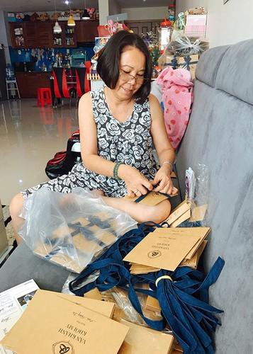 Hot Face sao Viet 24h: Ho Vinh Khoa khoe anh trang mat ben ban trai-Hinh-8