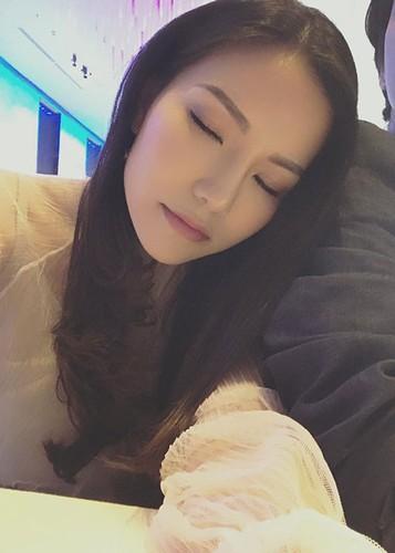 Hot Face sao Viet 24h: Ho Vinh Khoa khoe anh trang mat ben ban trai-Hinh-9