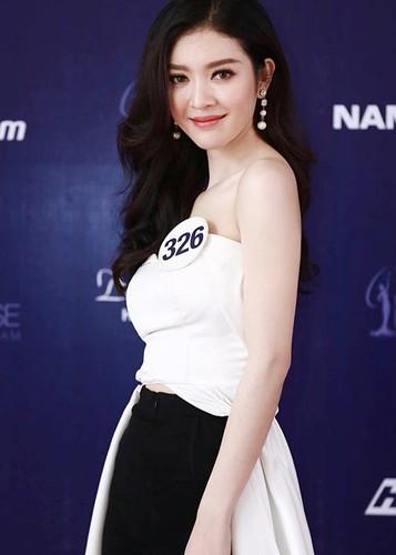 Chan dung thi sinh Hoa hau Hoan vu VN bi nghi dao keo-Hinh-2