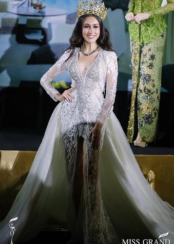 Chan dung nguoi dep Miss Grand International 2017 bi camera soi moi-Hinh-10