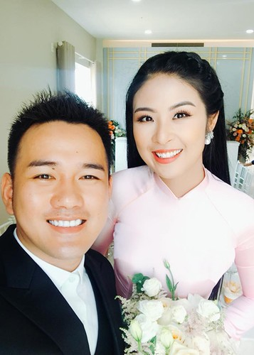 Dang Thu Thao cuoi tit mat, nam tay khong roi chu re-Hinh-11