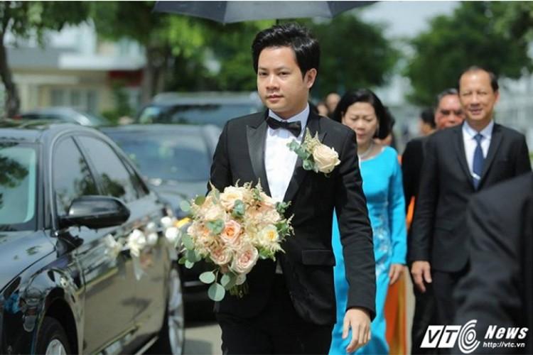Dang Thu Thao cuoi tit mat, nam tay khong roi chu re-Hinh-9