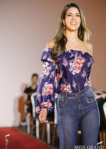 Huyen My cung thi sinh Miss Grand International chinh thuc deo dai bang-Hinh-13