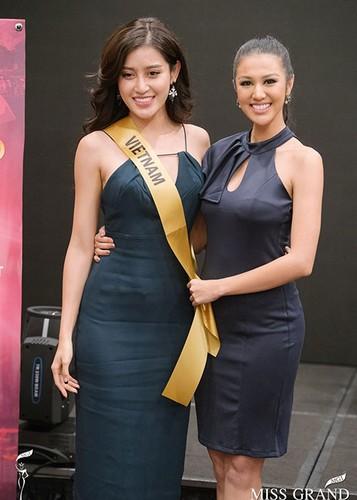Huyen My cung thi sinh Miss Grand International chinh thuc deo dai bang