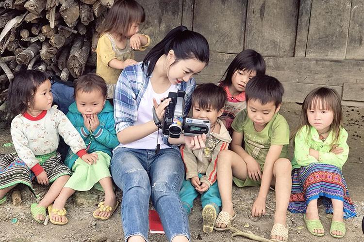 "Do My Linh duoc tang ""banh sinh nhat"" khoai lang o Yen Bai-Hinh-13"