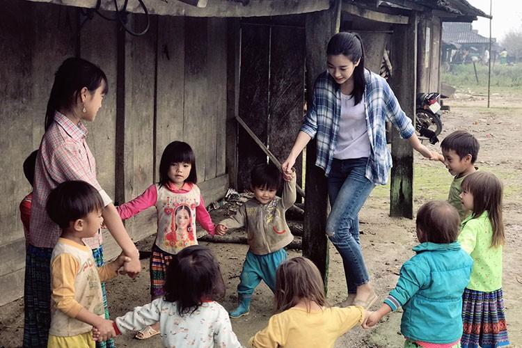 "Do My Linh duoc tang ""banh sinh nhat"" khoai lang o Yen Bai-Hinh-7"