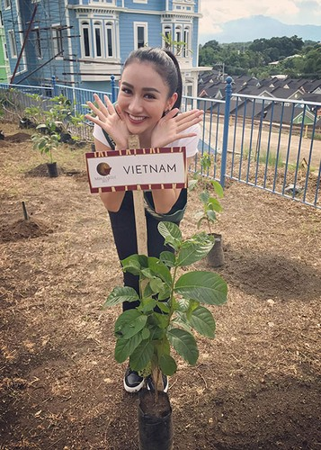 Hot Face sao Viet 24h: Dam Thu Trang ngay cang xinh mien che-Hinh-3
