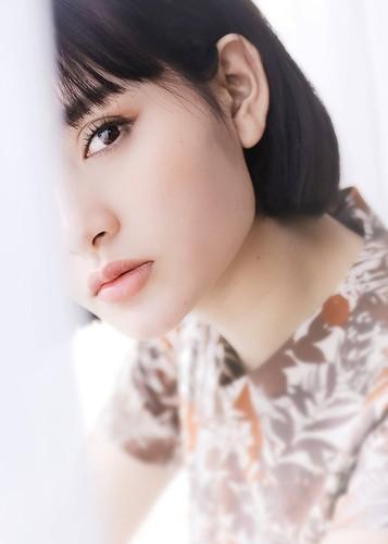 Hot Face sao Viet 24h: Ha Vi dien vay 2 day khoe vai tran goi cam-Hinh-14