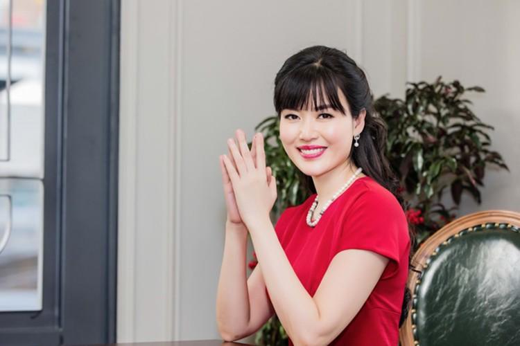 "Loat on ao cua Hoa hau Thu Thuy truoc scandal ""cuop chong""-Hinh-3"