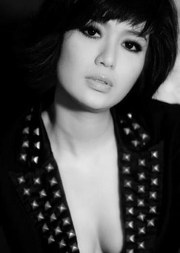 "Loat on ao cua Hoa hau Thu Thuy truoc scandal ""cuop chong""-Hinh-5"