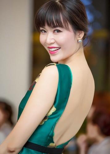 "Loat on ao cua Hoa hau Thu Thuy truoc scandal ""cuop chong""-Hinh-6"