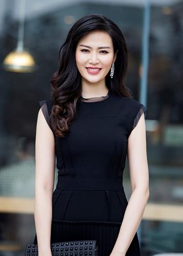 "Loat on ao cua Hoa hau Thu Thuy truoc scandal ""cuop chong"""