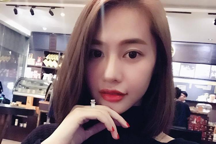 Hot Face sao Viet 24h: Xuan Bac tuoi tan giua on ao cua vo-Hinh-13